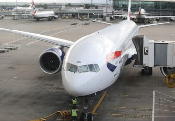 British Airways Boeing 777-300 on the jetty