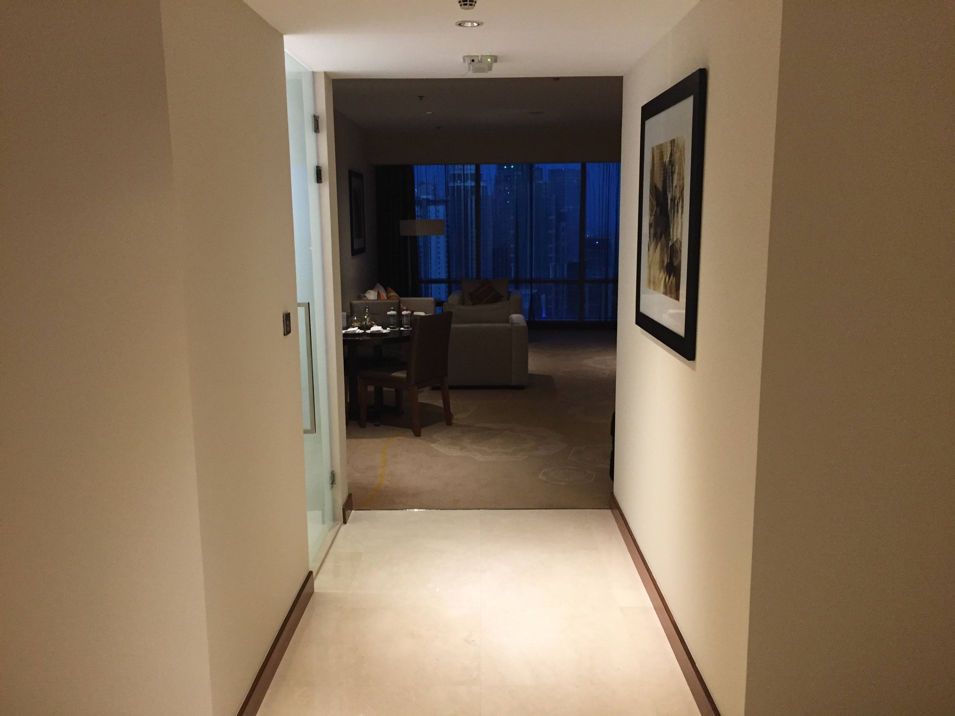 Suite entrance hallway - InterContinental Doha The City