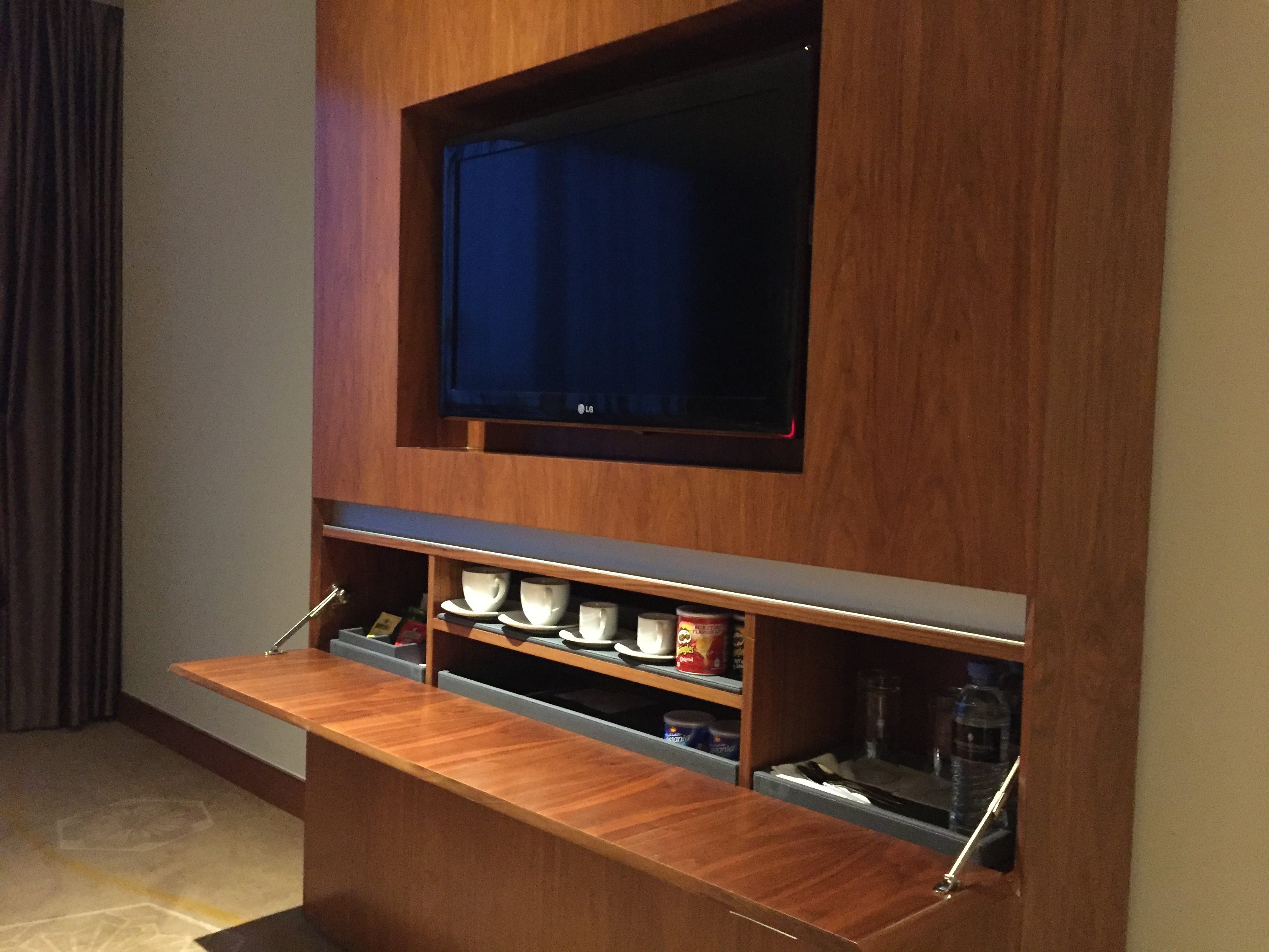 TV & drinks dishes cabinet - InterContinental Doha The City