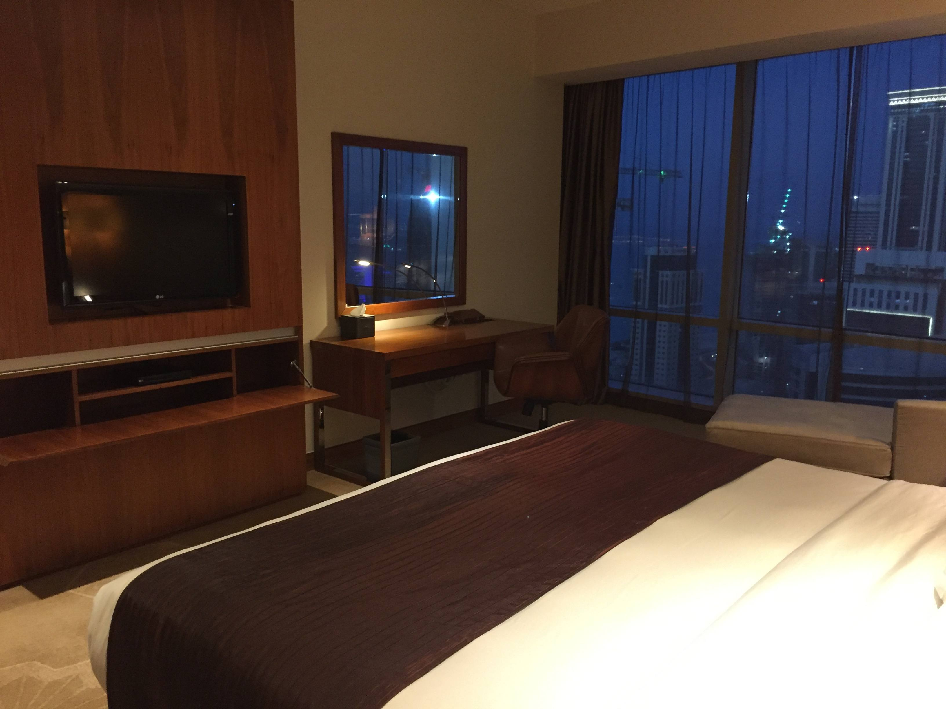 Bedroom view of the second desk and TV - InterContinental Doha The City