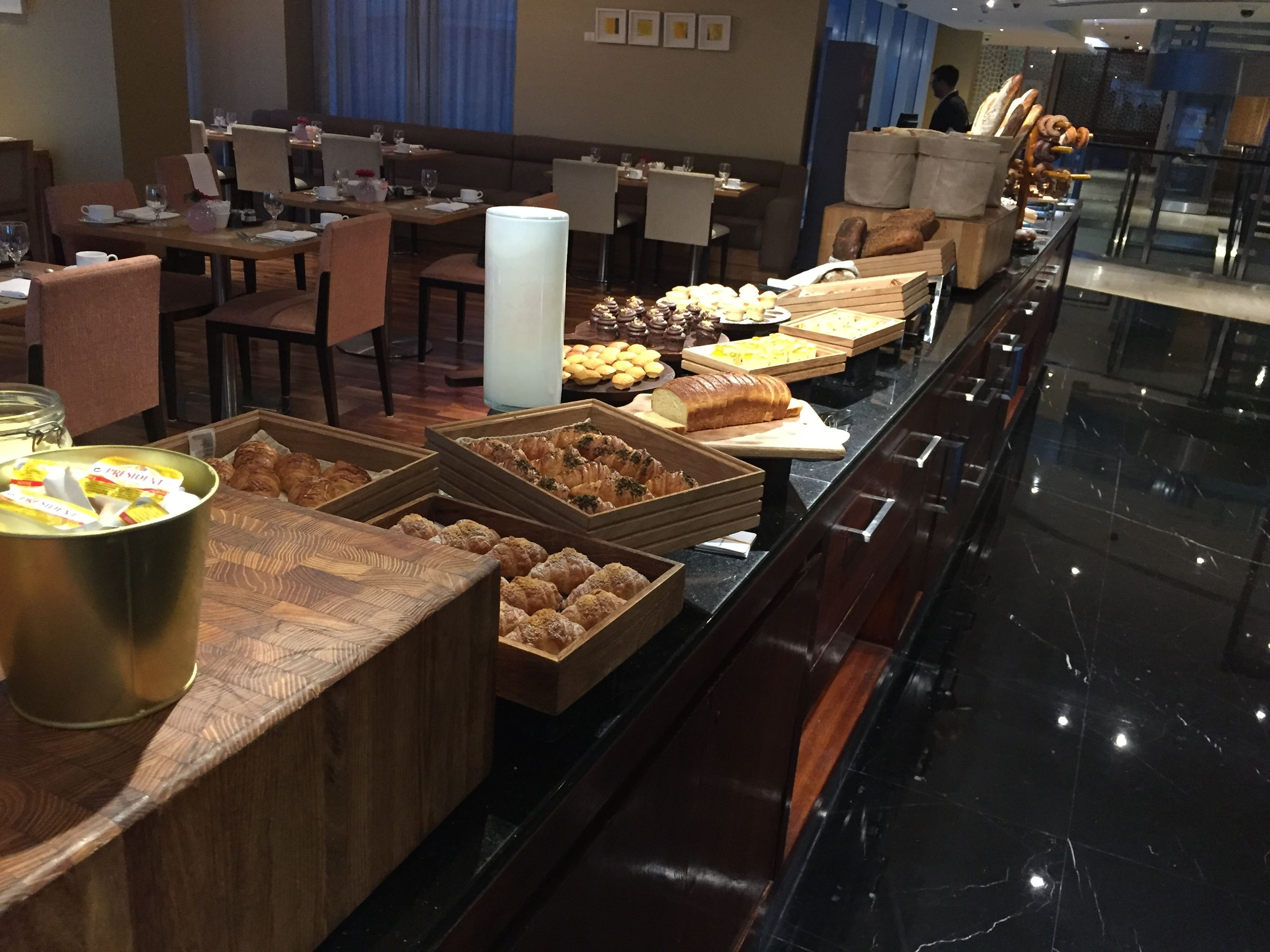 Breakfast at The Square restaurant - InterContinental Doha The City Hotel