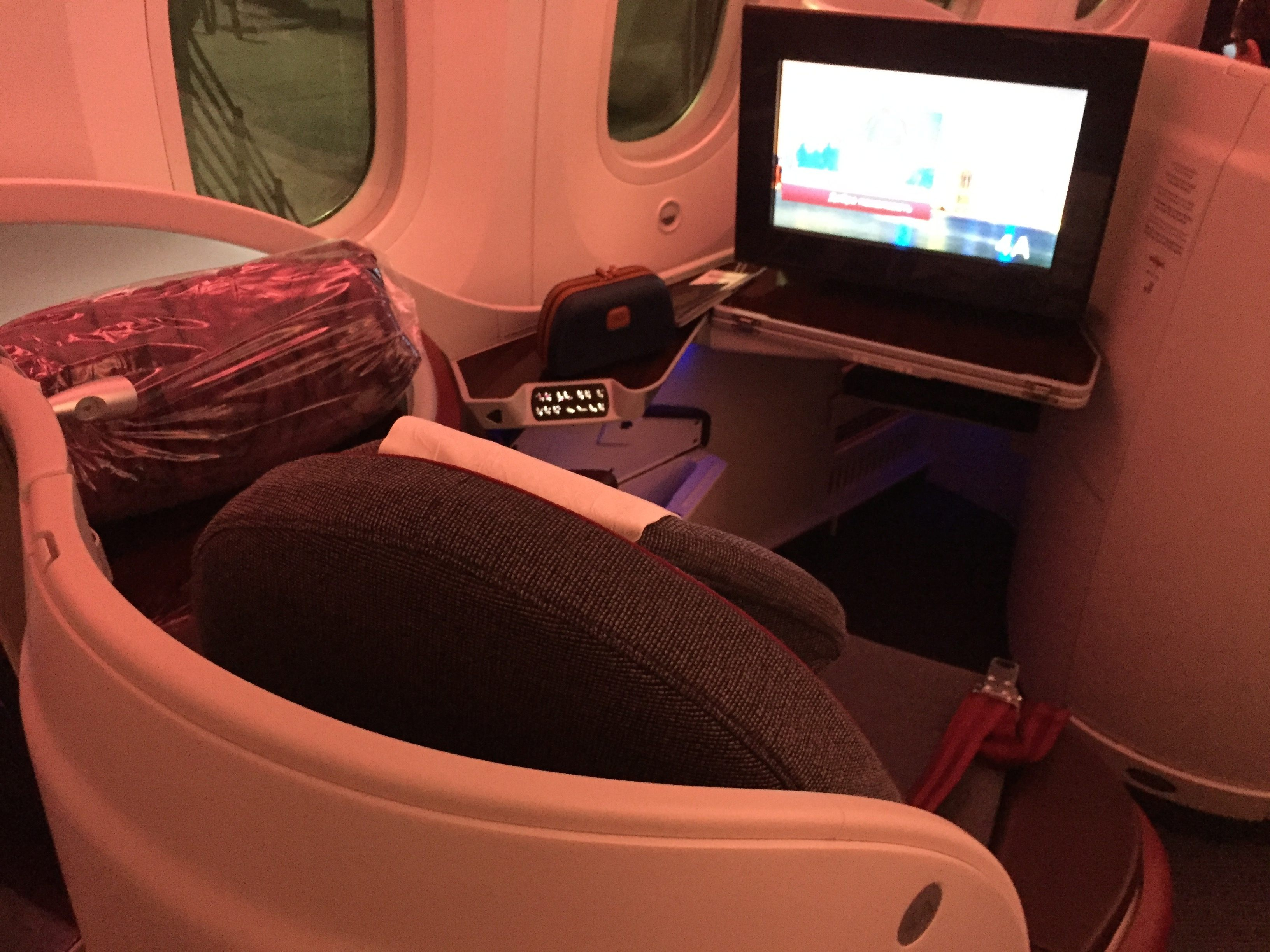 Qatar-Airways-Business-Class-seat-B787-2