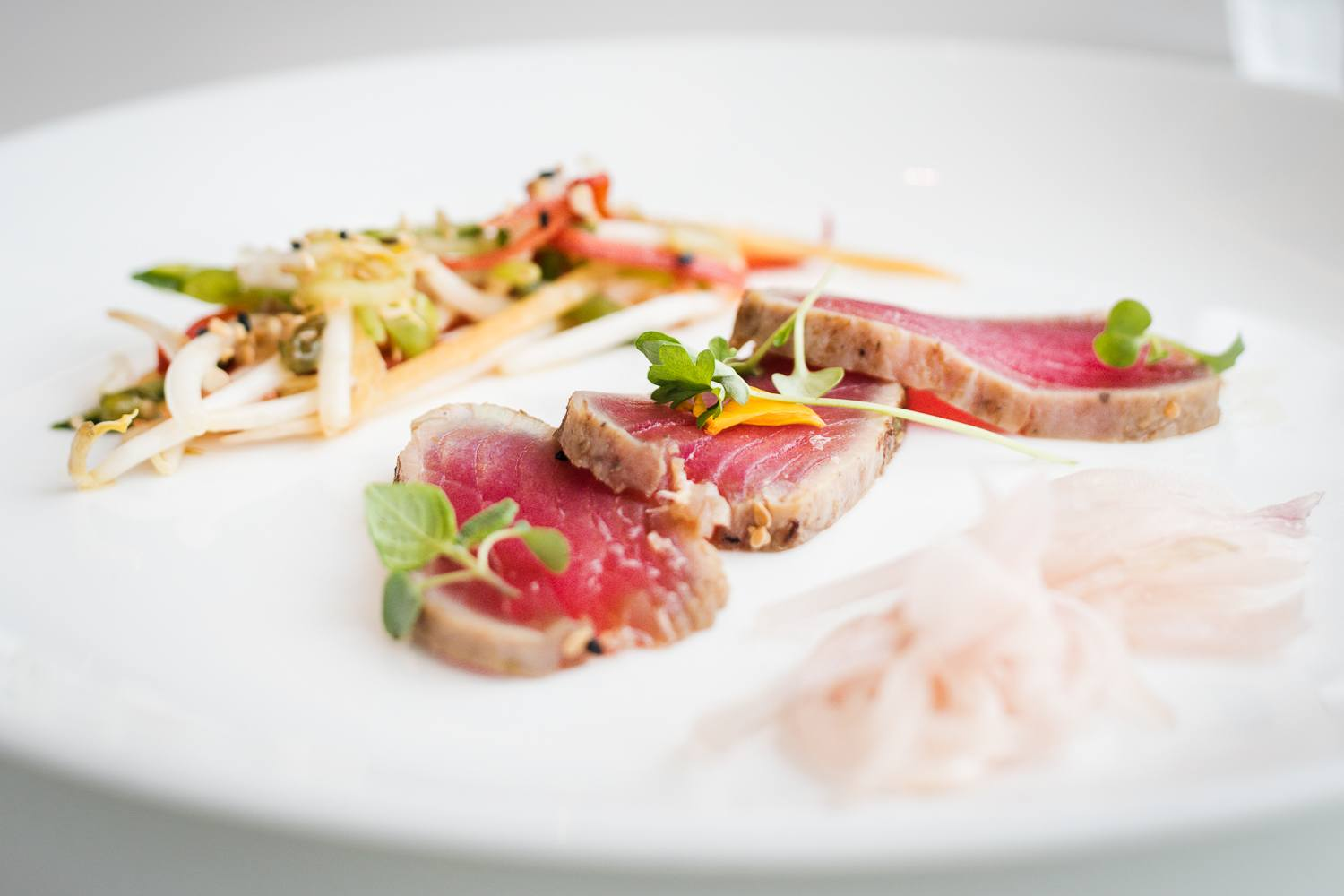 Asian-style red tuna tataki from the table d'hôte menu | Bijou Resto | Bar