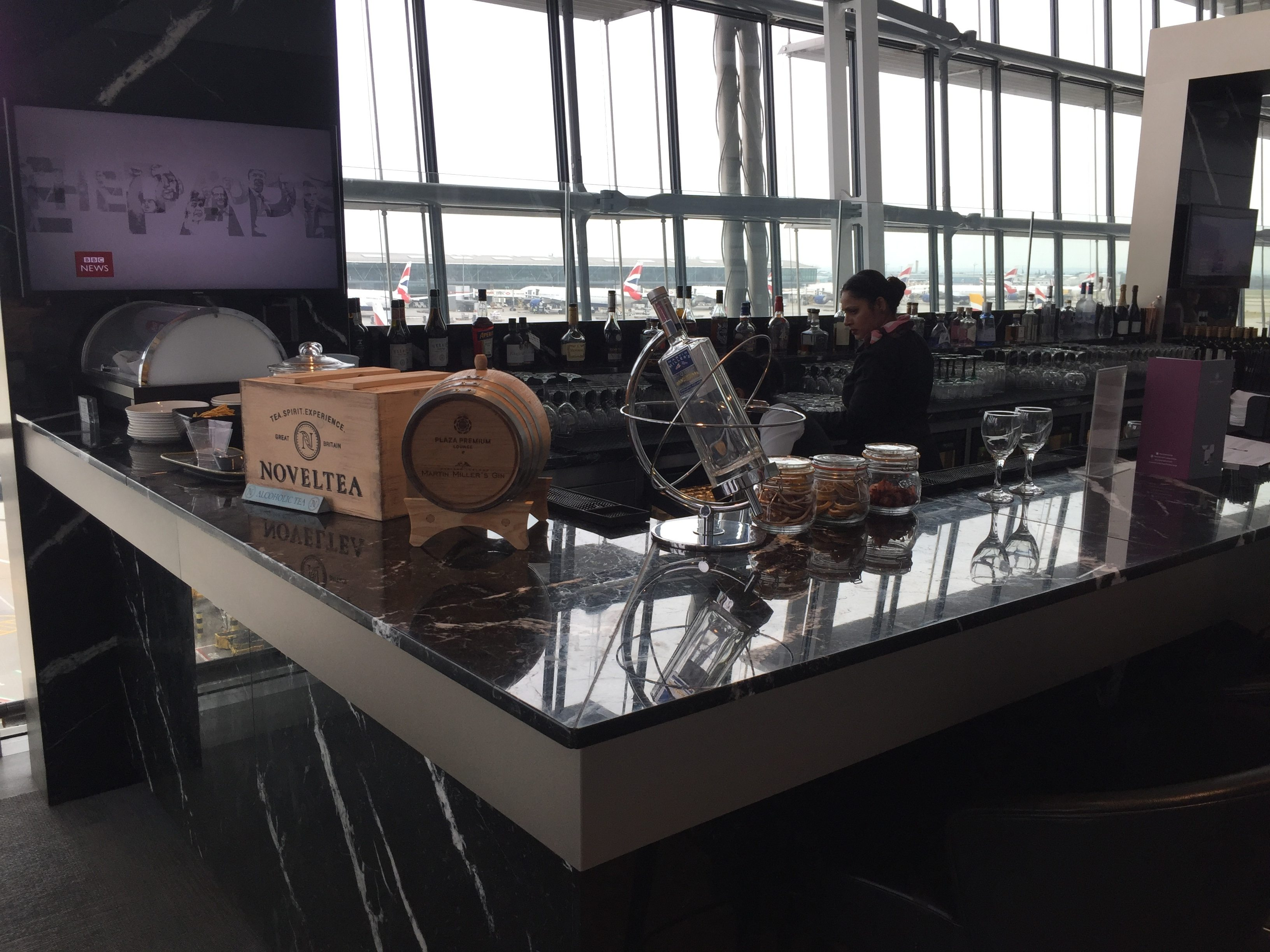 The bar area - Plaza Premium Lounge LHR T5