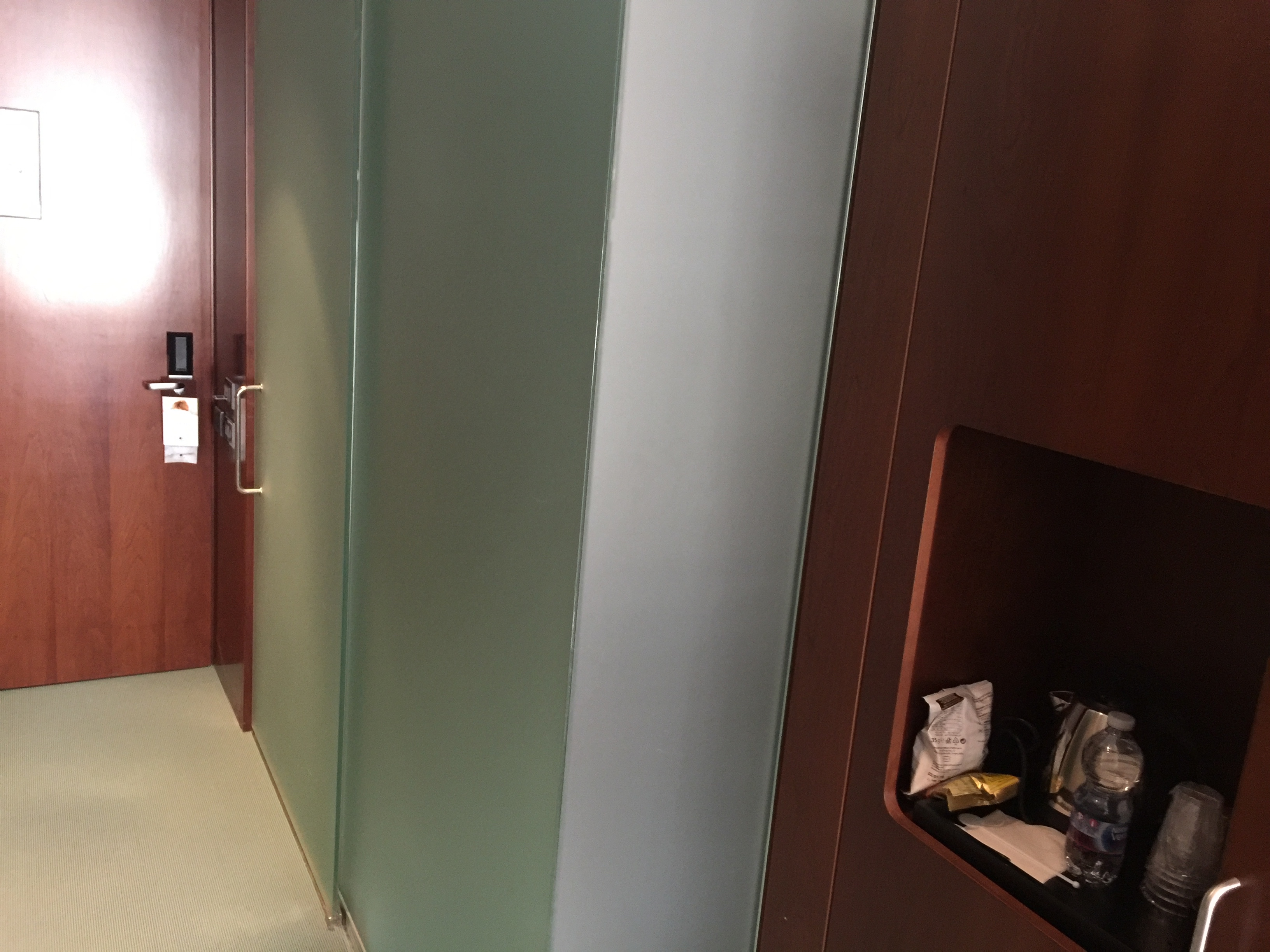 Room amenities & bathroom entrance - DoubleTree Turin Lingotto