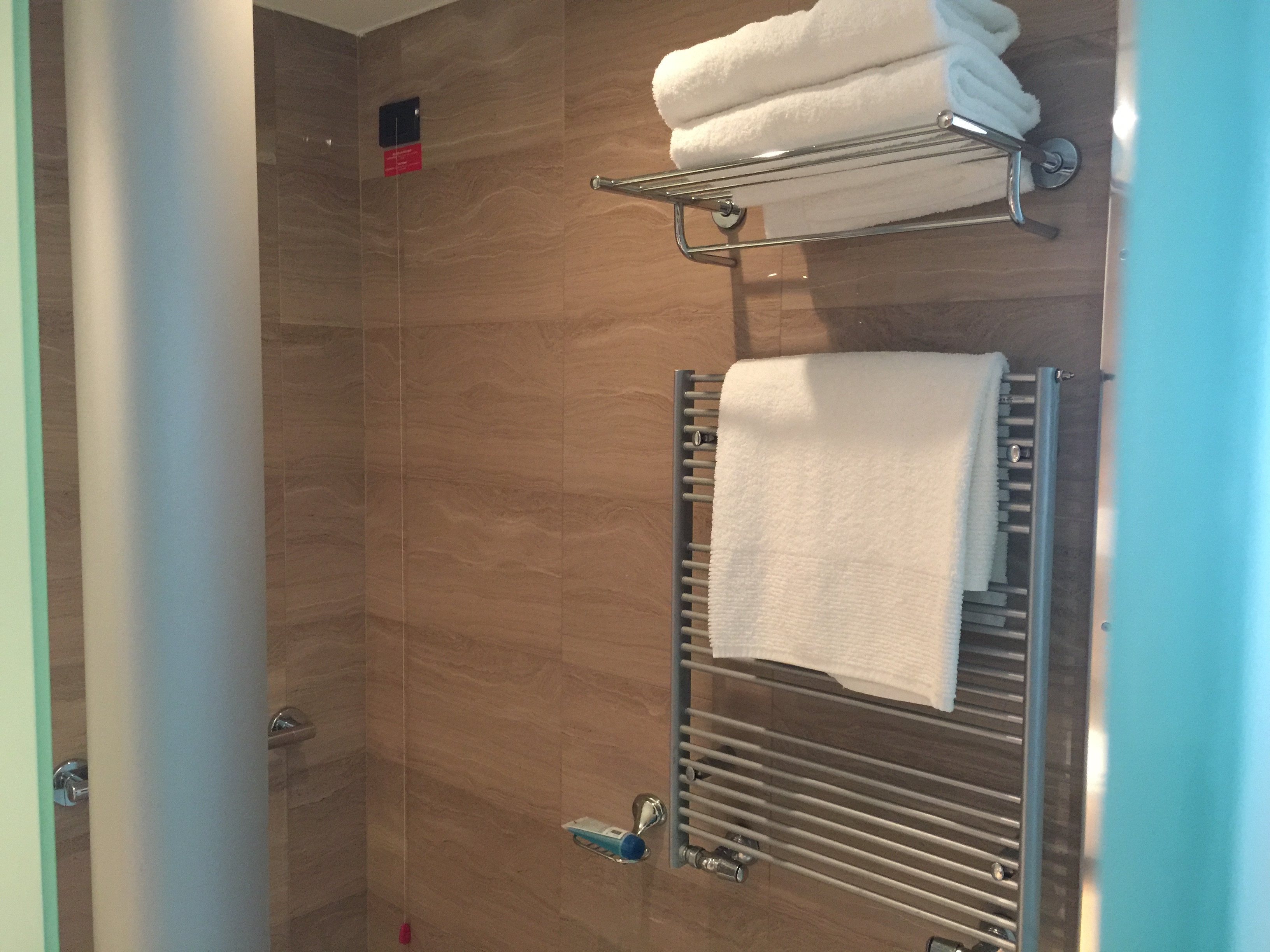 Shower- DoubleTree Turin Lingotto
