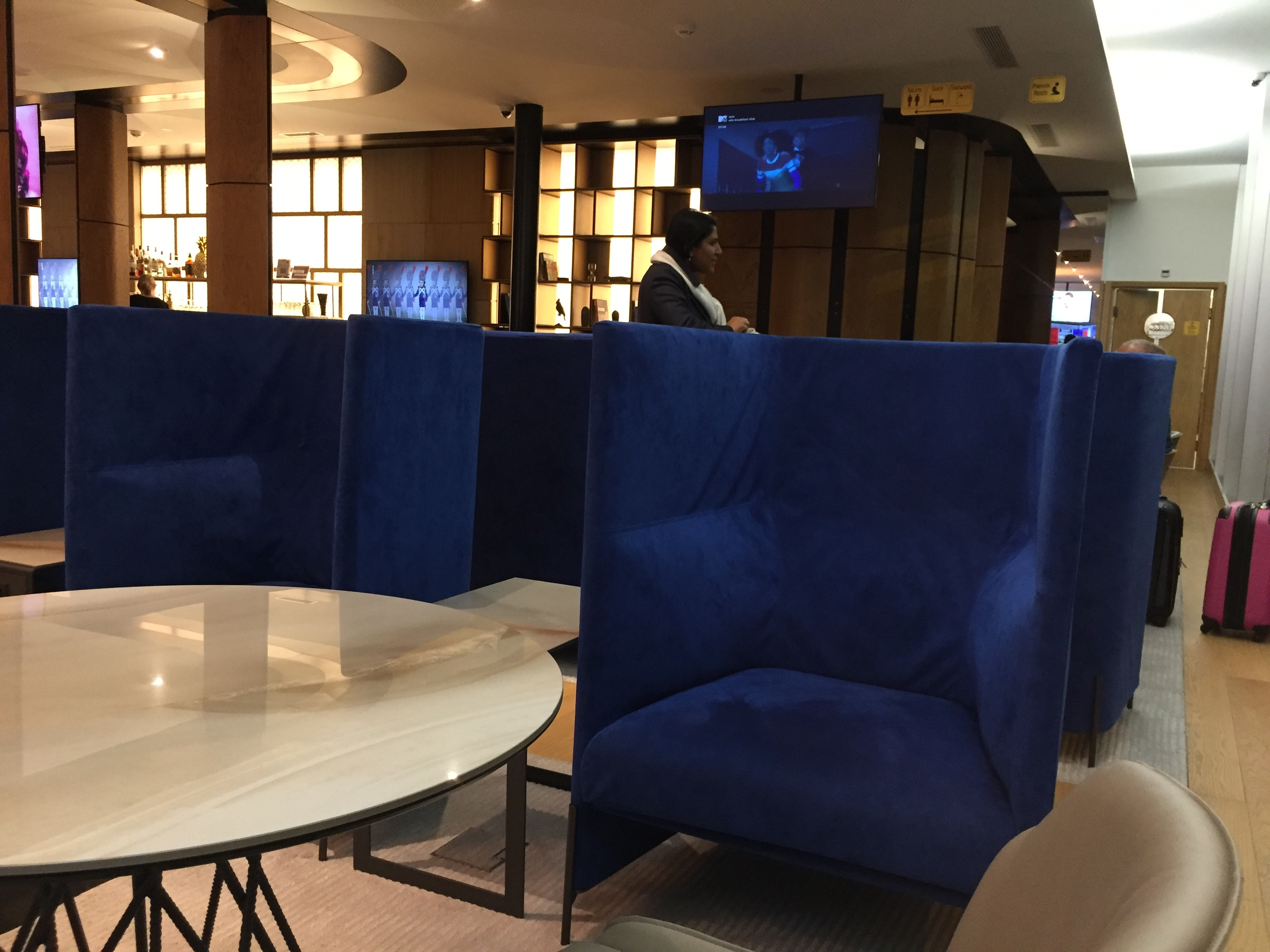 Another sitting lounge area - Zurich Terminal E