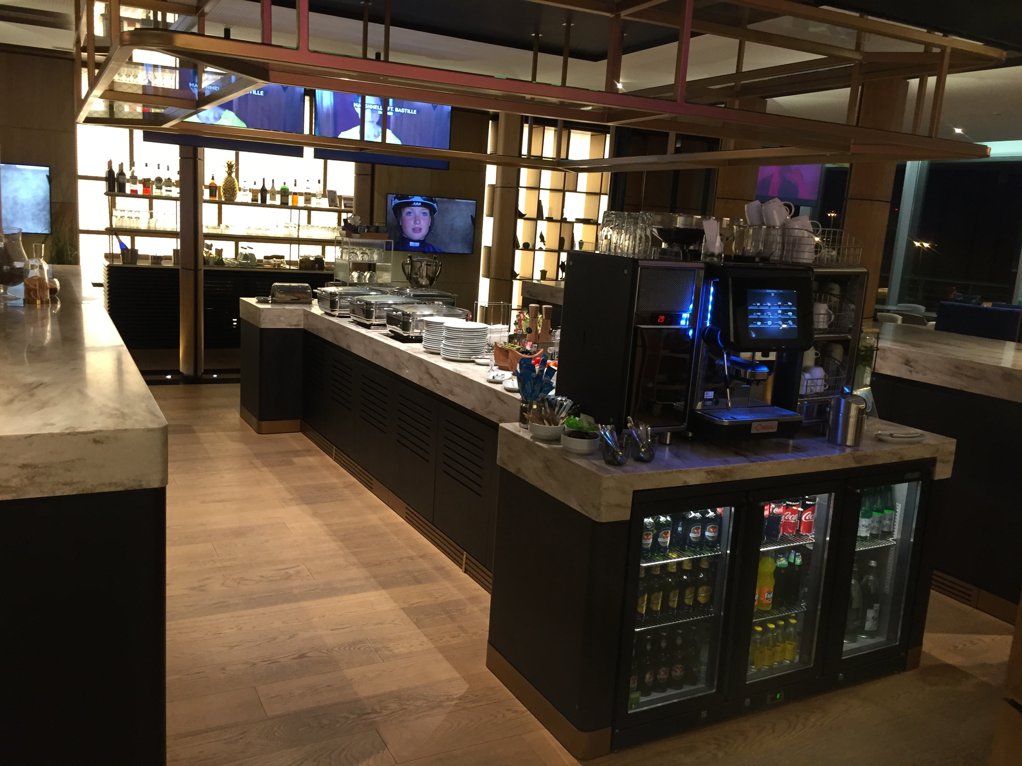 Buffet area with a wide selection for breakfast - Zurich Terminal E
