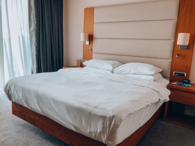 DoubleTree Zagreb King size bed