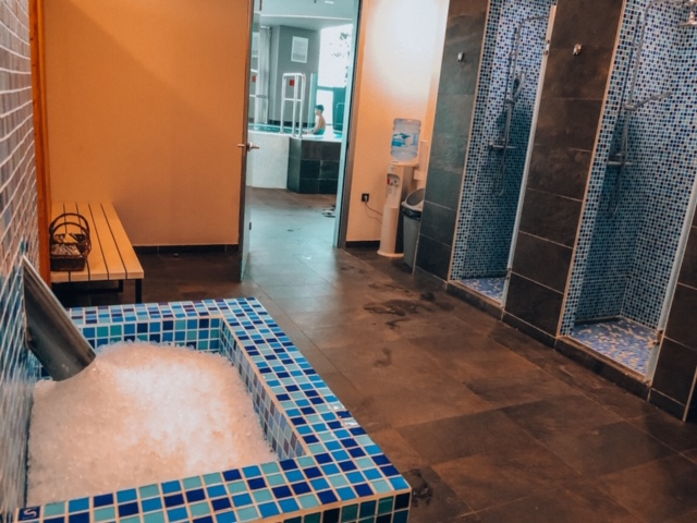DoubleTree Zagreb ice, showers whirlpool in spa